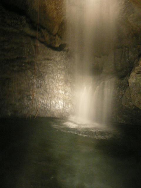 20年5月23日滝観洞 003