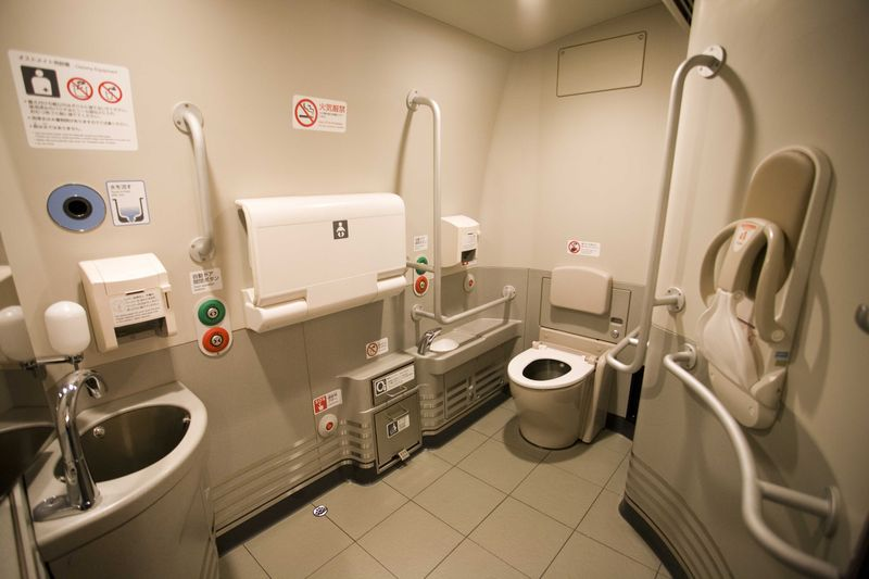 N700新幹線トイレ2